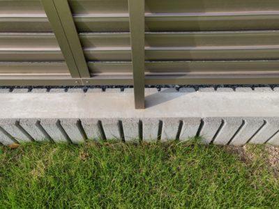 目隠しフェンスの柱と基礎